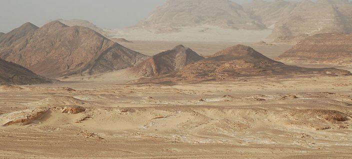 800px-Sinai_desert-1-704x318